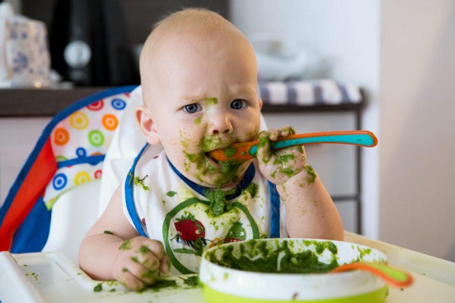 Čvrsta hrana i spavanje beba
